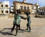 Juegos tradicionales y fachada del Ayuntamiento, Romangordo